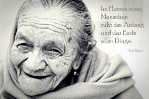 weise alte Frau